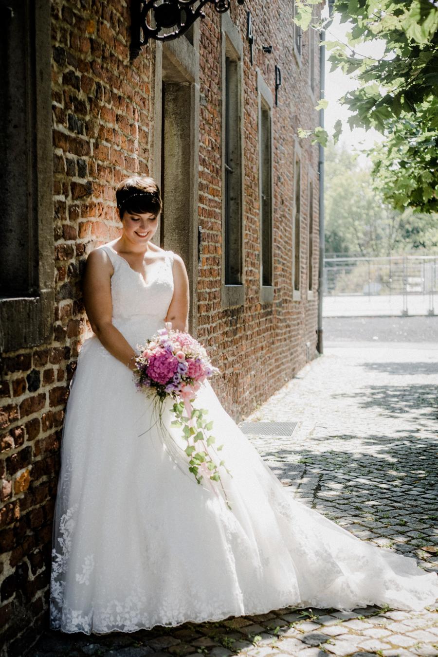 Brautpaar Hochzeitsfotos Fotoshooting in Grevenbroich