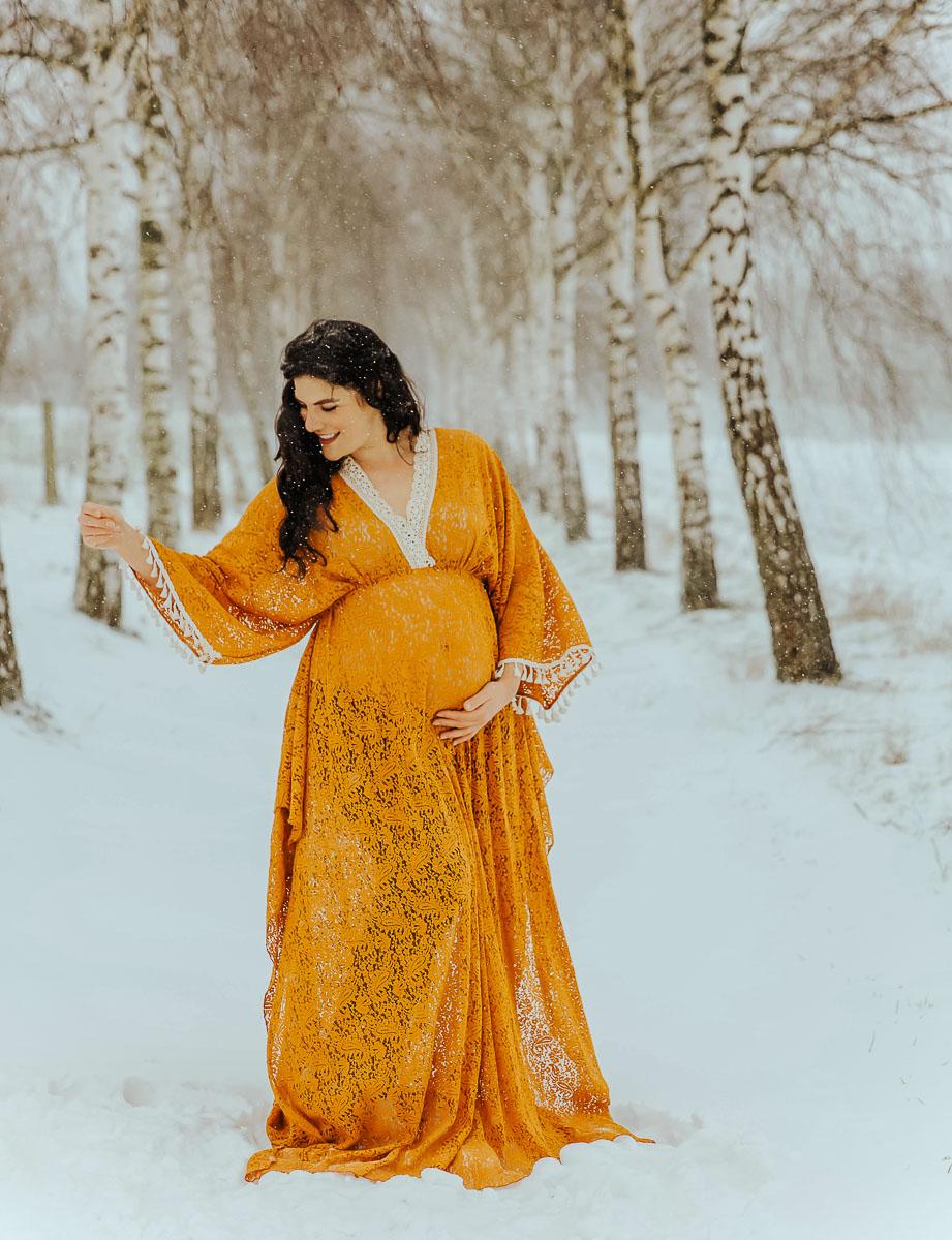 babybauchfotos im Schnee Kleid Studio kempen kerken